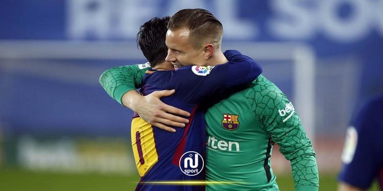 استبعاد ميسي وتير شتيجن من مباراة برشلونة وفيرينكفاروس