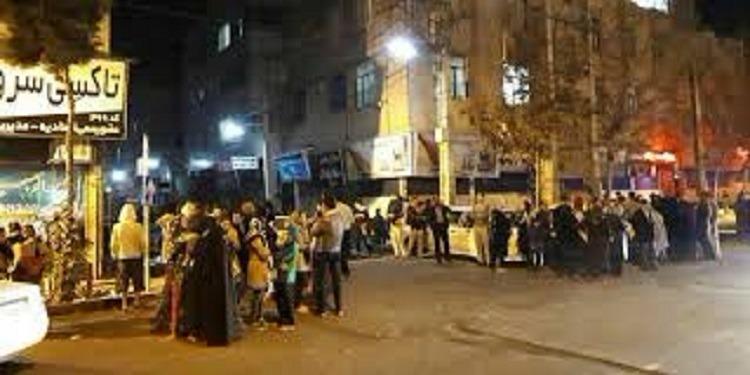 إيران: زلزال بقوة 5.2 درجة يضرب بلدة بالقرب من طهران (صور+فيديو)