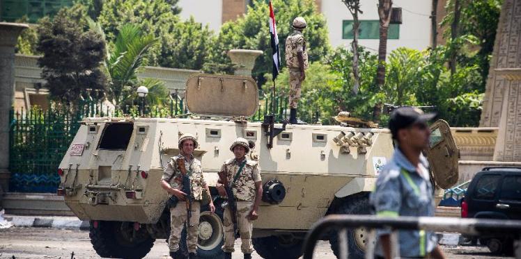 مصر : مقتل ضابطا شرطة في انفجار شمال سيناء