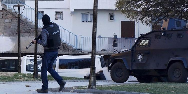 تسجيل عدة إصابات في هجوم بسيارة مفخخة على قاعدة عسكرية تركية
