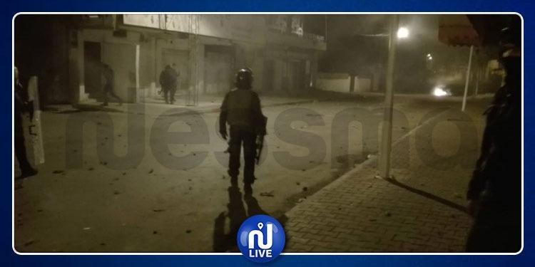 القصرين: تواصل عمليات الكر والفر بين الأمن والمحتجين