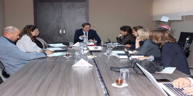 سبل تعزيز مشاركة المرأة في مناصب صنع القرار محور لقاء المؤخر بوفد عن منظمة التعاون والتنمية الاقتصادية