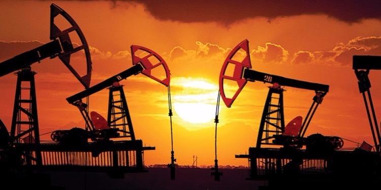 النفط يهبط متأثرا بالبيانات الاقتصادية للصين