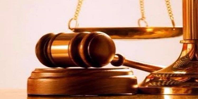قرار مفاجئ من محكمة بخصوص امرأة قتلت مُغتصب ابنتها !