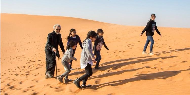 أول رحلة للوليد بن طلال بعد الإفراج عنه (صور)