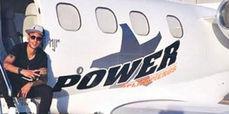 نجم المنتخب البرازيلي نيمار يشتري طائرة خاصة بـ10 ملايين يورو