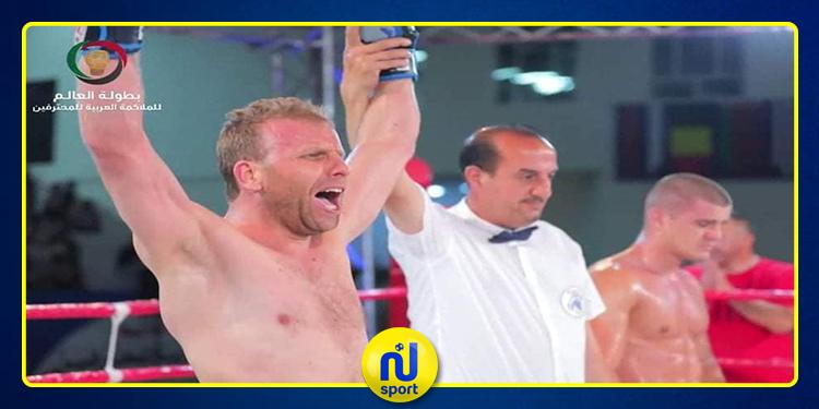 الملاكم 'عصام البرهومي' يتوج ببطولة العالم للمحترفين للملاكمة العربية