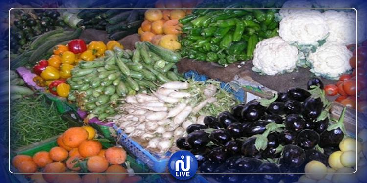 """اريانة: سوق """"البطوار"""" يستقبل المواطنين فرادى وحملات مراقبة للتصدي للاحتكار والترفيع في الاسعار"""