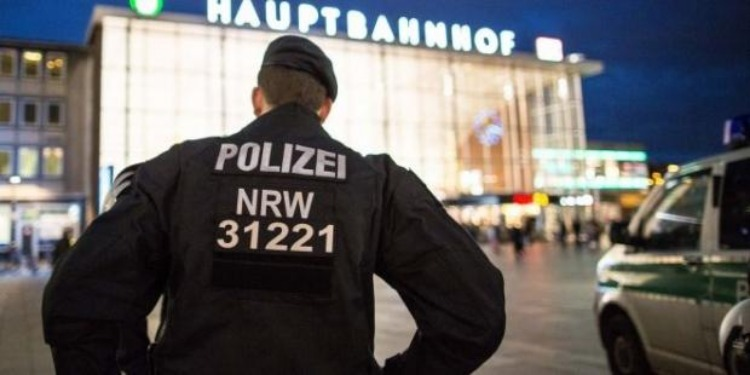 ألمانيا: الشرطة تقصي 3 رجال أمن عرب بسبب هتافهم ضد ''إسرائيل''