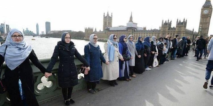 بريطانيا:  رسائل تصل المسلمات بخصوص ''يوم عقاب المسلم'' (صورة)