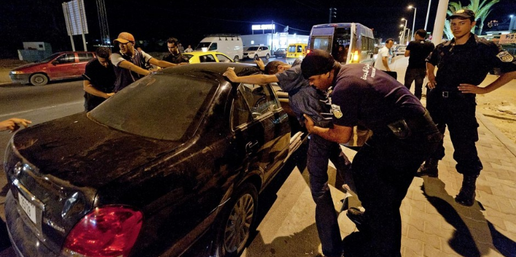 الداخلية: ايقاف 40 مشتبها بانتمائهم لتنظيم ارهابي على اثر 367 مداهمة ليلية