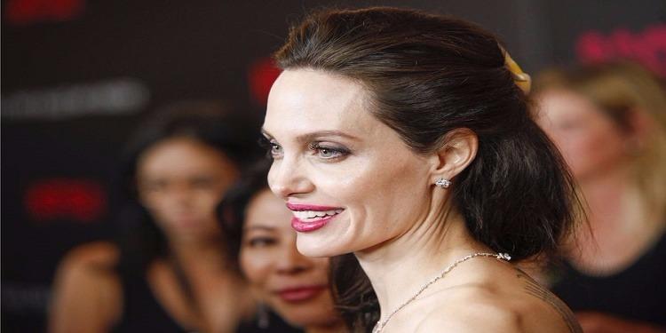 Angelina Jolie : Tout simplement resplendissante à l'avant première de son nouveau film (photos)