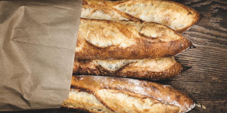 ماكرون: ''ينبغي إدراج خبز 'الباغيت' ضمن قائمة اليونسكو''