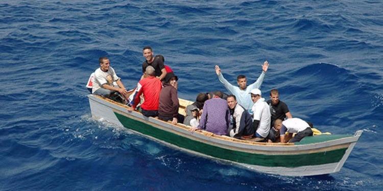 استخدم تسجيلات مفبركة لأمنيين وعسكريين...شاب يوهم ذوي ''حراقة'' مختفين بقدرته على تحريرهم من السجون التونسية