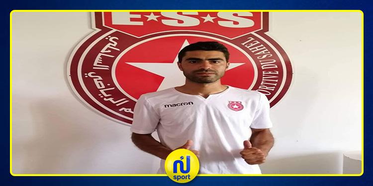 الكرة الطائرة: النجم الساحلي يتعاقد مع اللاعب وليد عباس