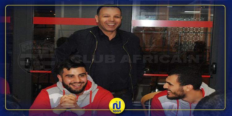 عبد السلام اليونسي يقيم مأدبة عشاء على شرف لاعبي كرة القدم واليد