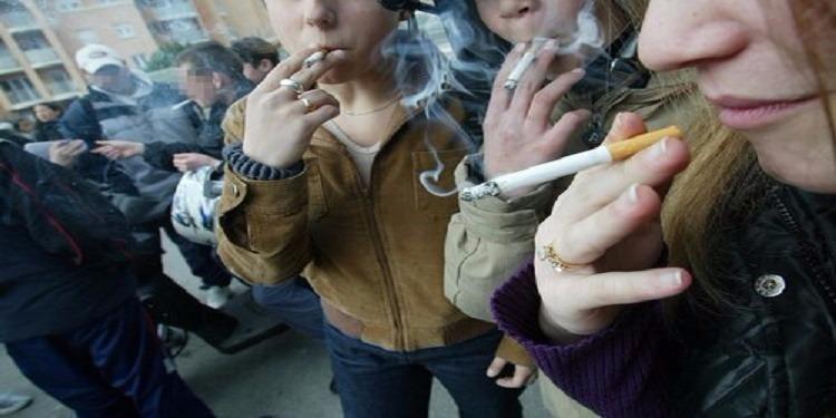 أكثر من 10% ممن أعمارهم تتراوح بين 13 و15 عاما مدخنون