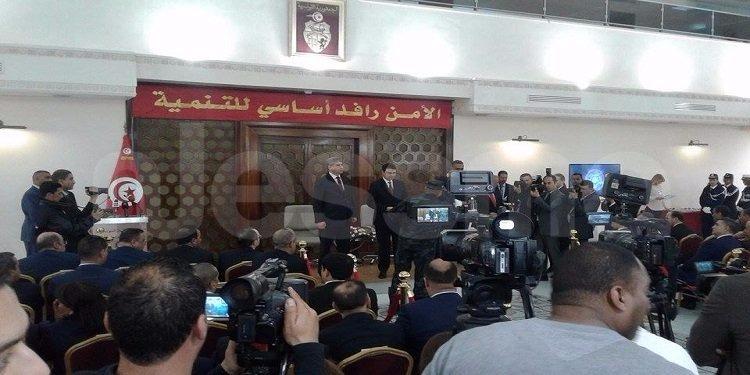 إحتفالا بالّذكرى 61 لعيد قّوات الأمن الّداخلي .. توسيم وترقية مجموعة من الأمنيين (صور)
