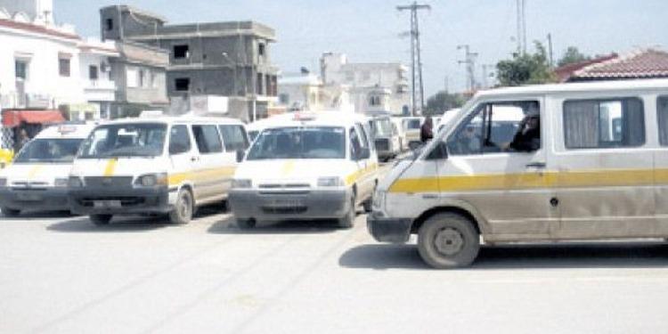 أريانة: أصحاب سيارات النقل الريفي ببنرزت المعتصمين بمنزه النحلي يدخلون في إضراب جوع