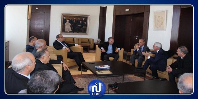 ماجول يعقد جلسة حول أزمة قطاع الألبان بحضور الطبوبي