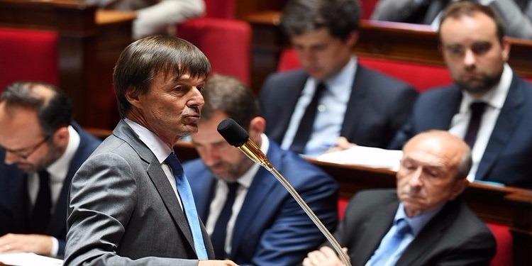 وزير فرنسي يفقد الوعي  خلال جلسة إستماع داخل البرلمان