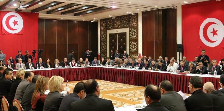 """المكتب التنفيذي لـ""""نداء تونس"""" يدعو للحفاظ على وحدة الكتلة النيابية"""
