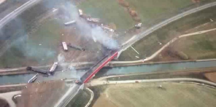 فرنسا: 7 قتلى في حادث خروج قطار سريع عن مساره شرقي البلاد