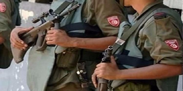 مدنين : مجهولون يسرقون زي ضابط عسكري ولاصقات الرتبة
