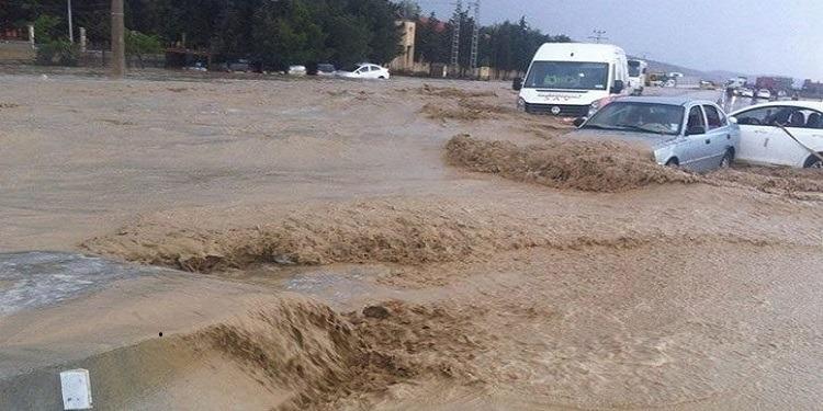 Crue de l'Oued Zeroud : route fermée entre El Alaa et Hajeb El Ayoun