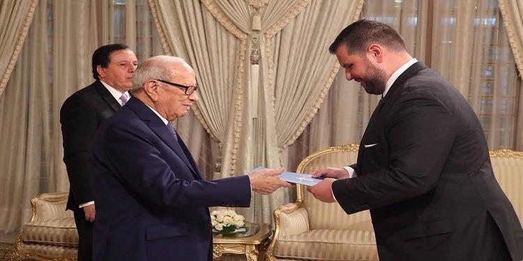 رئيس الجمهورية يسلم أوراق إعتماد خمس سفراء جدد بتونس (صور)