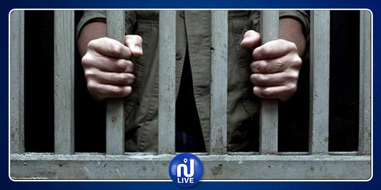 العاصمة: عام سجنا في حق كهل استولى على أحذية المصلين