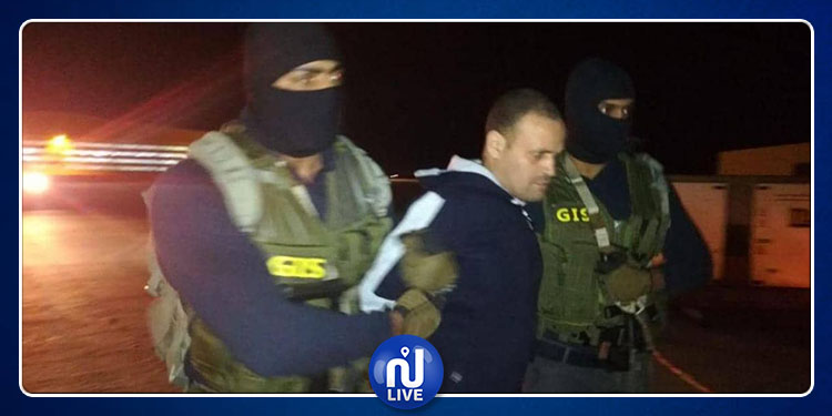 مصر تتسلم من ليبيا الإرهابي الخطير هشام عشماوي (فيديو)