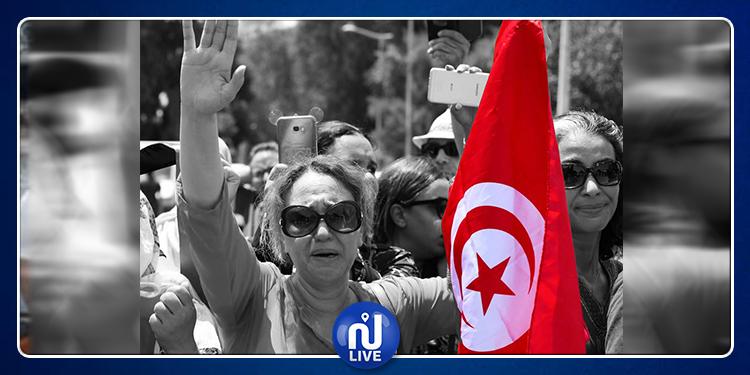 التونسيون يبكون رئيسهم  الراحل (صور +فيديو)