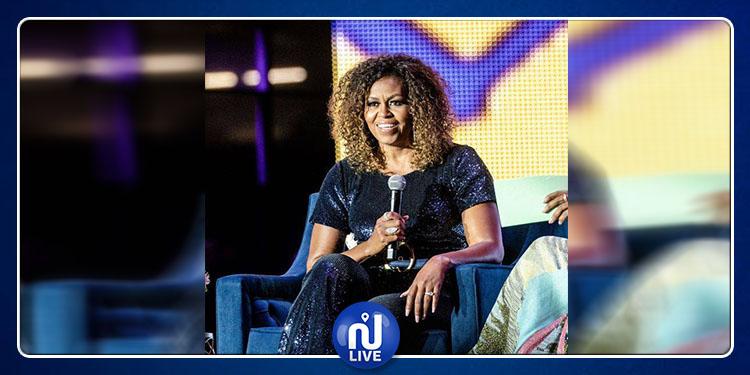 Michelle Obama s'affiche avec ses cheveux crépus !
