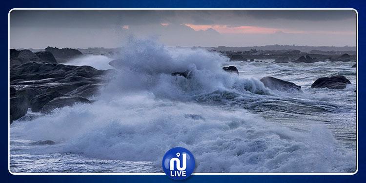 أمطار رعدية متوقعة والنشاط البحري ممنوع