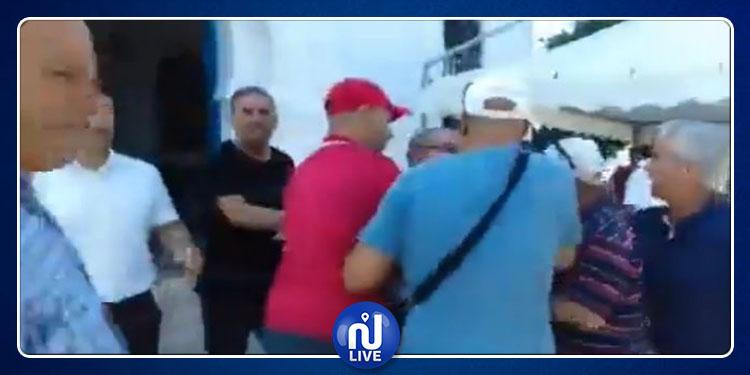 نقل رئيس بلدية منزل بورقيبة الى المستشفى اثر مشادة كلامية داخل المجلس (فيديو)