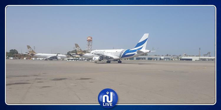 توقف الملاحة في مطار معيتيقة بعد تعرضه لضربة جوية