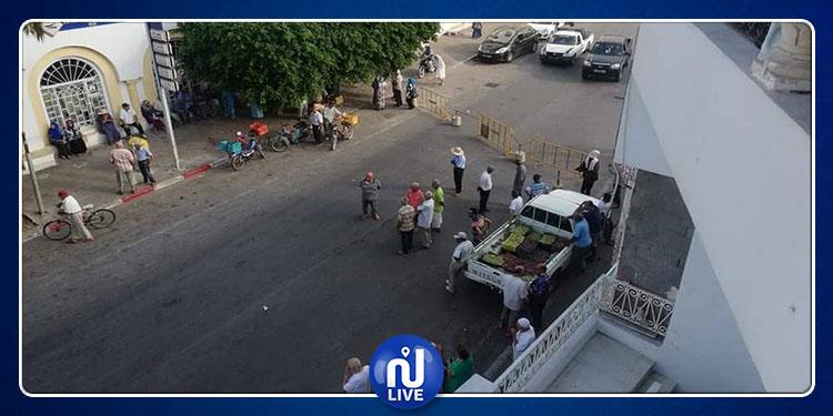 الحمامات: يغلقون الطريق احتجاجا على تواصل غلق مكاتب البريد