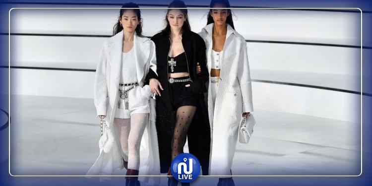 Automne 2020 : découvrez les bottes mousquetaires Chanel de Gigi Hadid