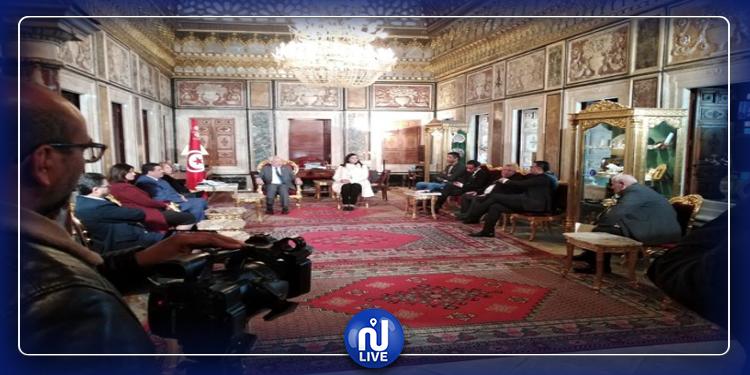 Accord entre Blocs parlementaires et Gouvernement sur l'article 70