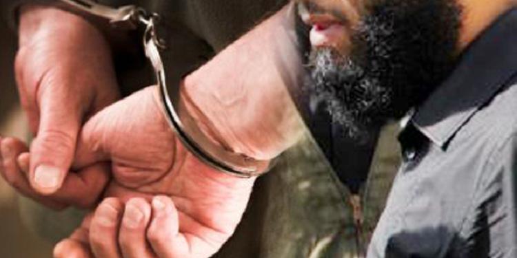 إرهابي ''خطير'' يسلم نفسه للسلطات الجزائرية