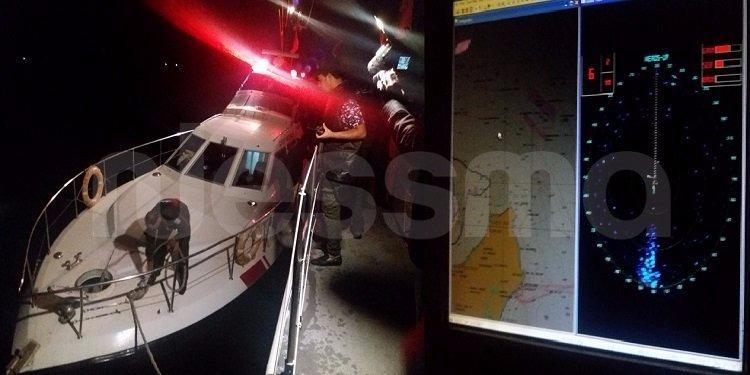 غرب زمبرة: الإيقاع بـ 14 شخصا حاولوا اجتياز المياه الإقليمية خلسة (صور)