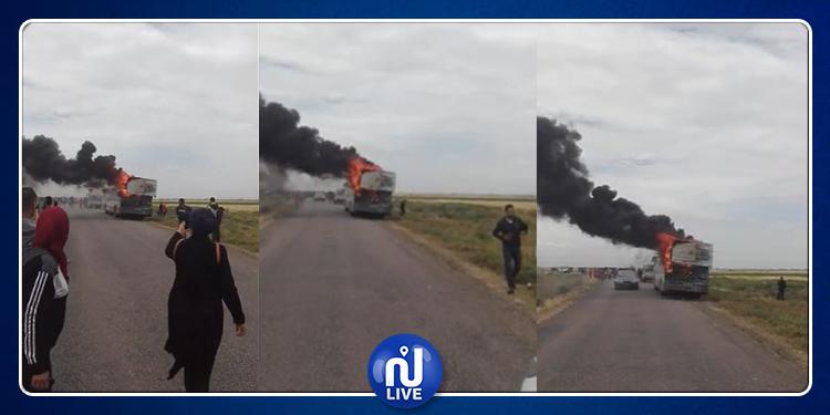 السبيخة: احتراق حافلة لنقل العمال (فيديو)