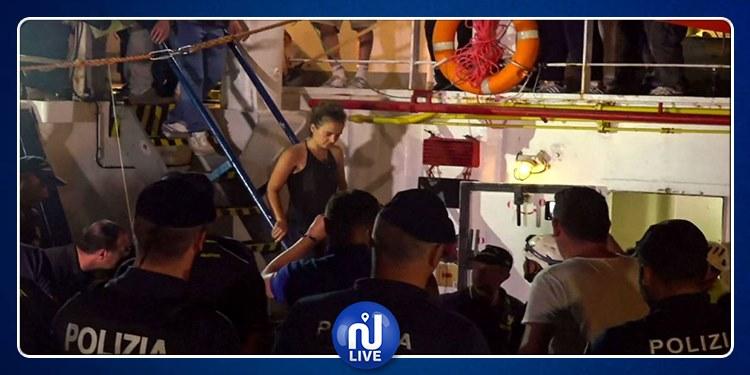 اعتقال قبطانة تنقل مهاجرين آفارقة على متن سفينتها