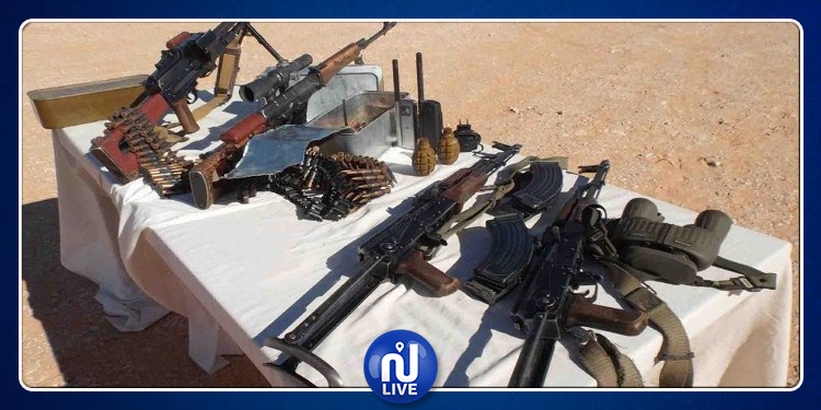 الجيش الجزائري يكشف مخبأ للأسلحة والذخيرة ببرج باجي مختار