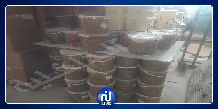 سكرة:  الكشف عن مخزن عشوائي للمواد الغذائية منتهية الصلوحية