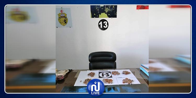 منزل تميم: الإطاحة بمروّج ابتلع 130 قطعة من مخدّر التمرة