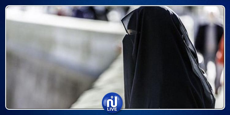 منع منقبات وملتحين جزائريين من دخول تونس.. وزير السياحة يُعلّق