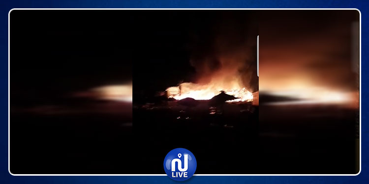 جربة: اندلاع حريق هائل  بأحد النزل بالمنطقة السياحية (فيديو)