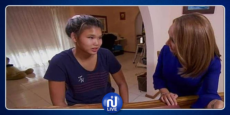 فتاة تلتقي والدتها بعد 14 عاما (فيديو)